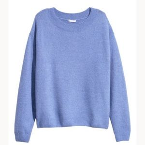 H&M Knit sweater in beautiful lavender color.